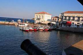 destination saronic_islands spetses