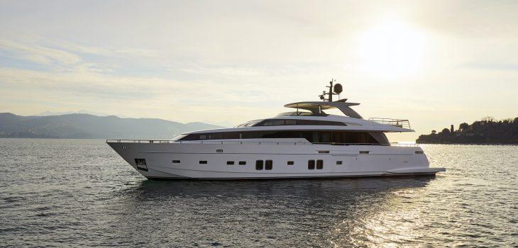DINAIA-yacht