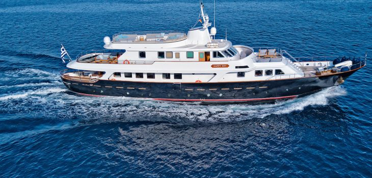 Happy_Day-yacht