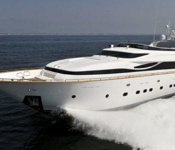 PARIS-A-yacht-1