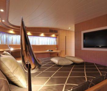PARIS-A-yacht-16