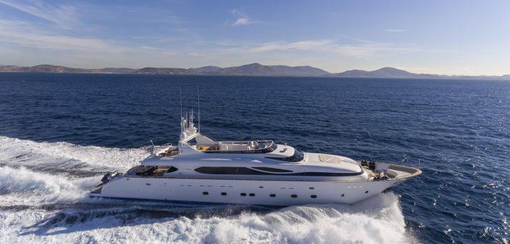 PARIS A-yacht