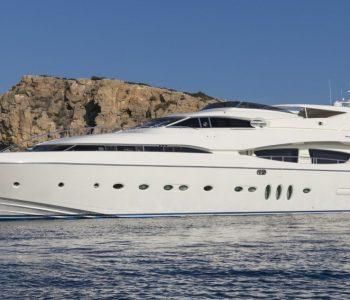RINI-V-yacht-1